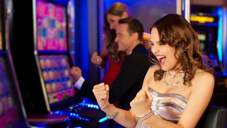 Vă prezentăm cel mai fierbinte joc de sloturi online