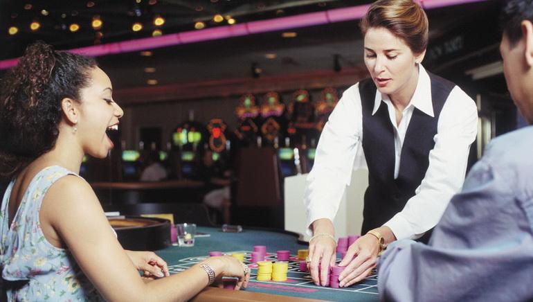 Mahjong Paigow cu Dealer Live