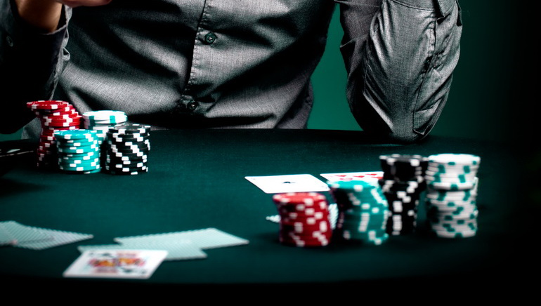 Heads Up Poker de la 7 Rosu